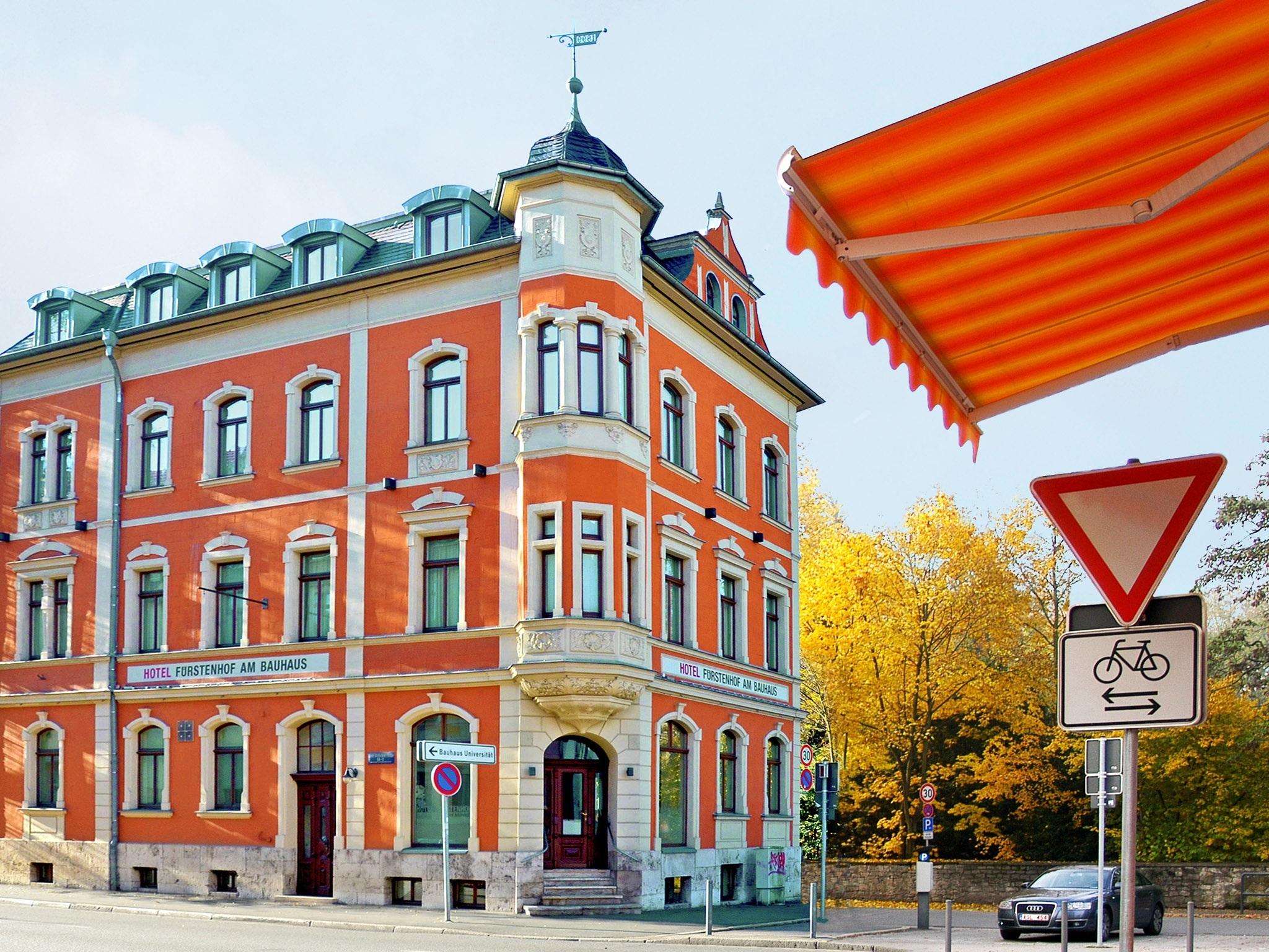 Auto Kühlschrank Bauhaus : Hotel fürstenhof am bauhaus in weimar u hotel de