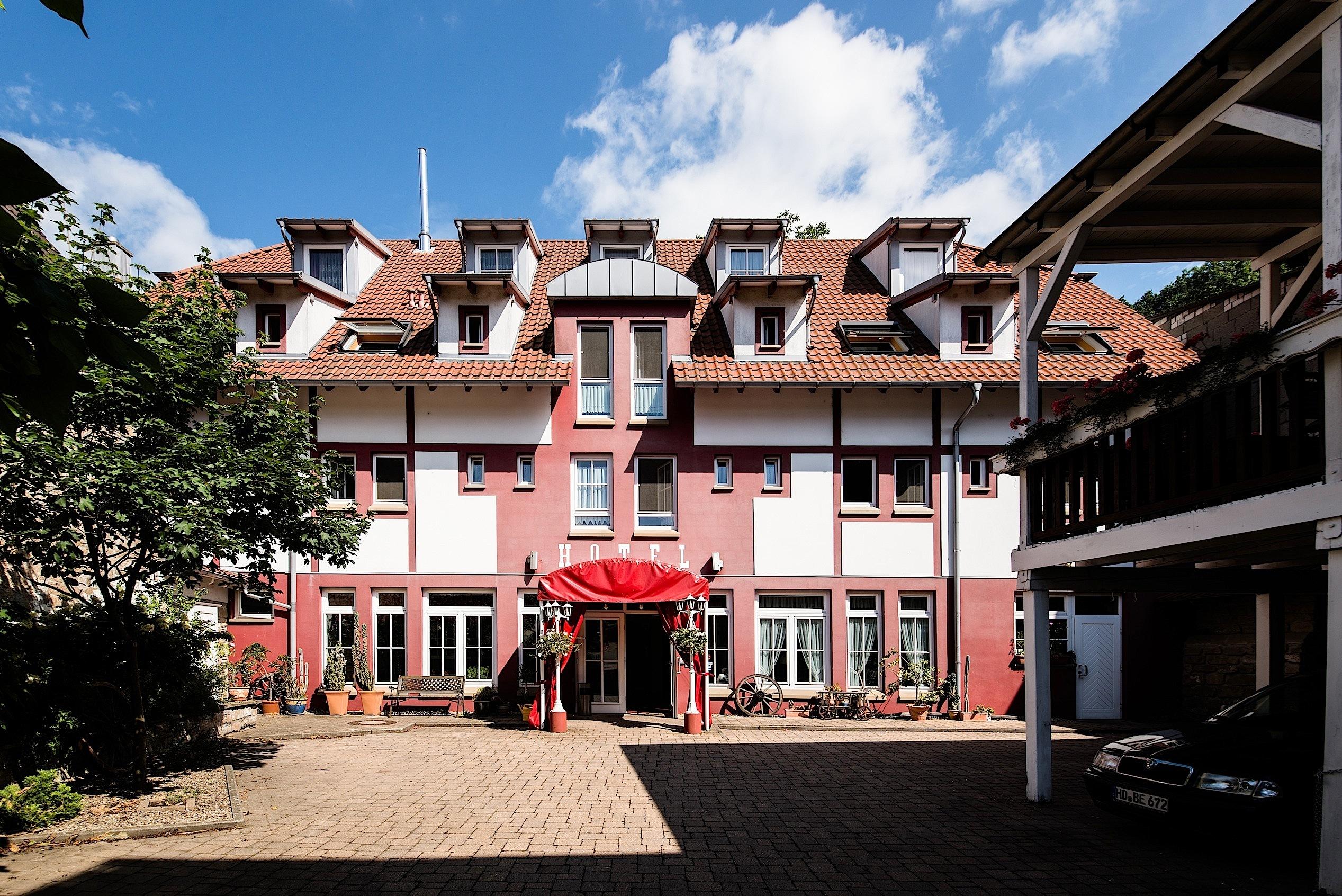 Hotel Hirsch in Sinsheim – HOTEL DE