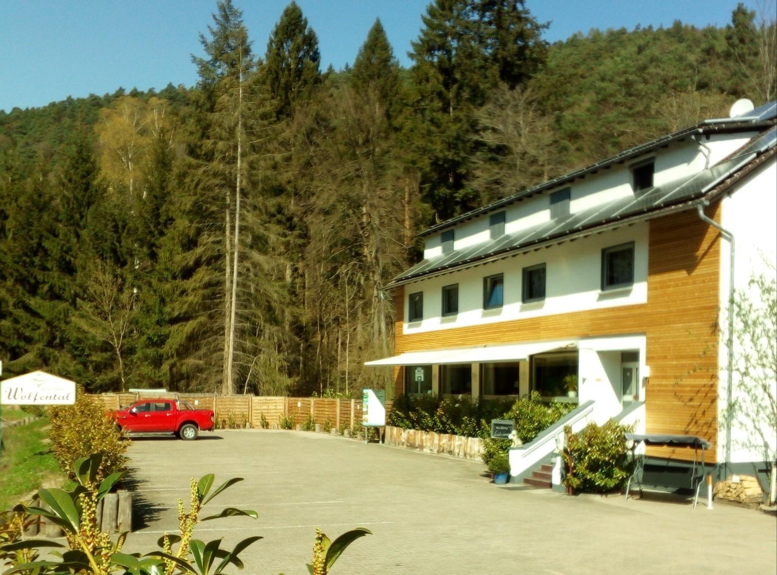 Hotel Waldhaus Wolfental in Bad Dürkheim – HOTEL DE