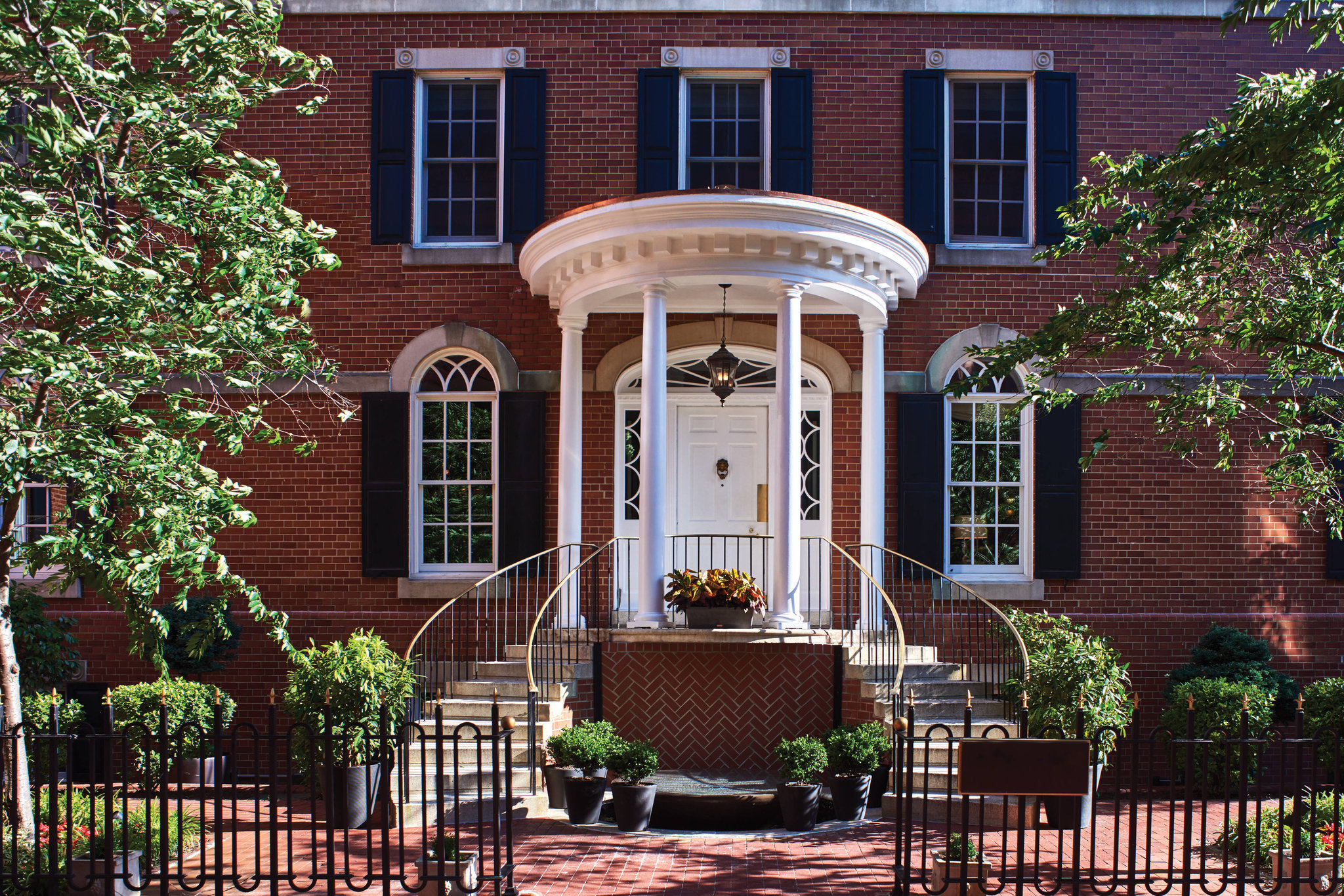 Book hotels in Alexandria, Virginia for a good price