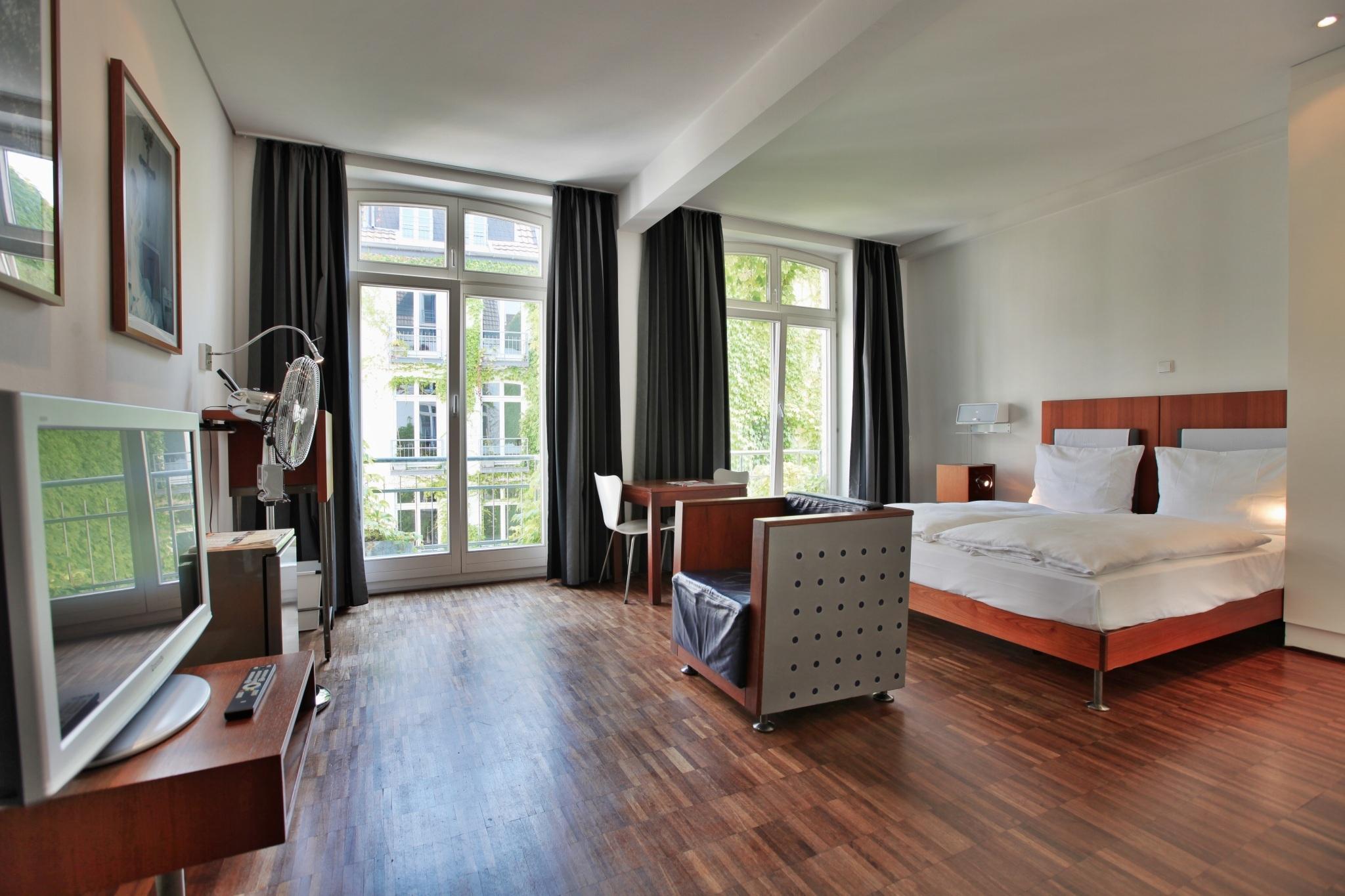 Open Air Am Tanzbrunnen In Koln Hotels In Der Nahe Auf Hotel De