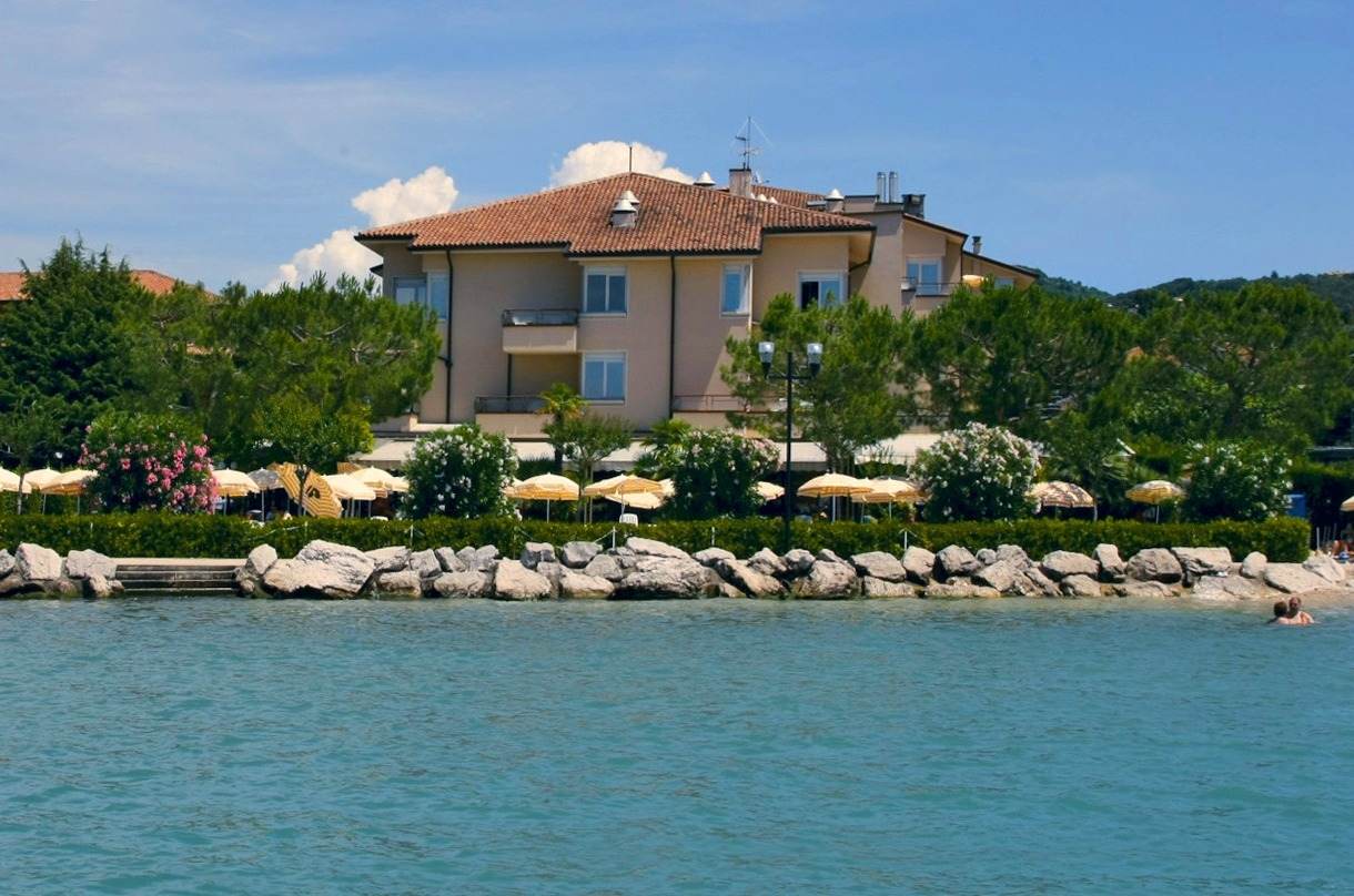 Corte San Luca Bardolino book hotels in bardolino for a good price - italy