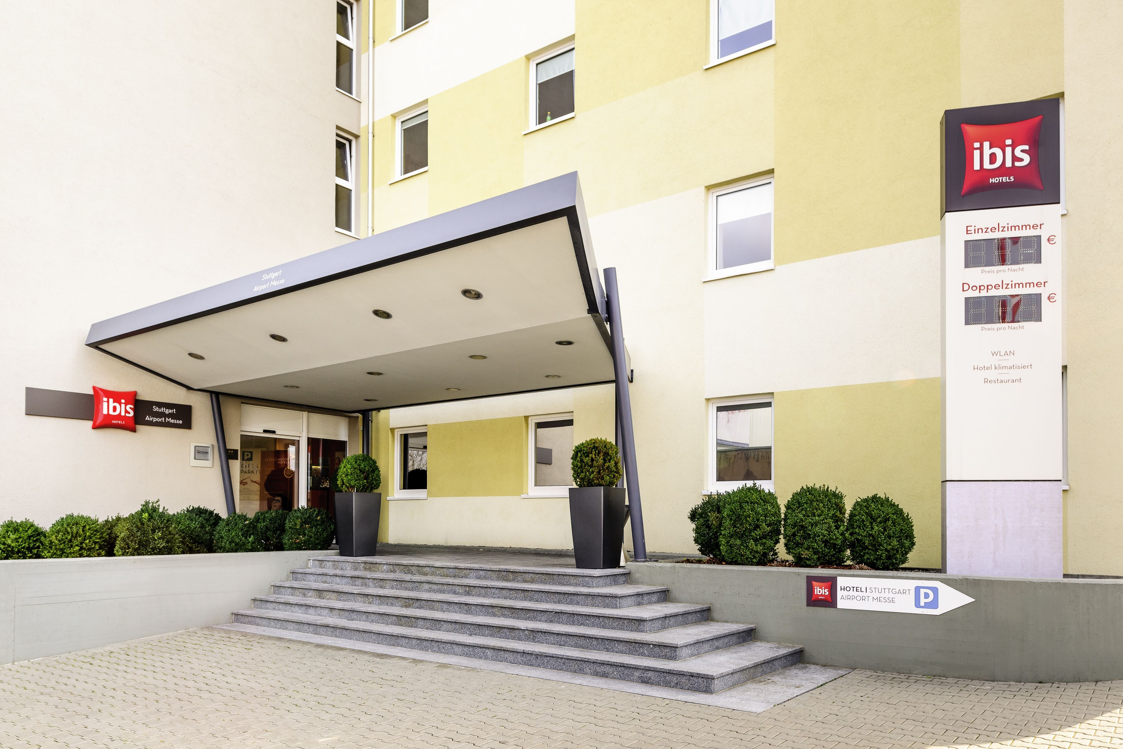 Stage Apollo Theater In Stuttgart Hotels In Der Nahe Auf Hotel De