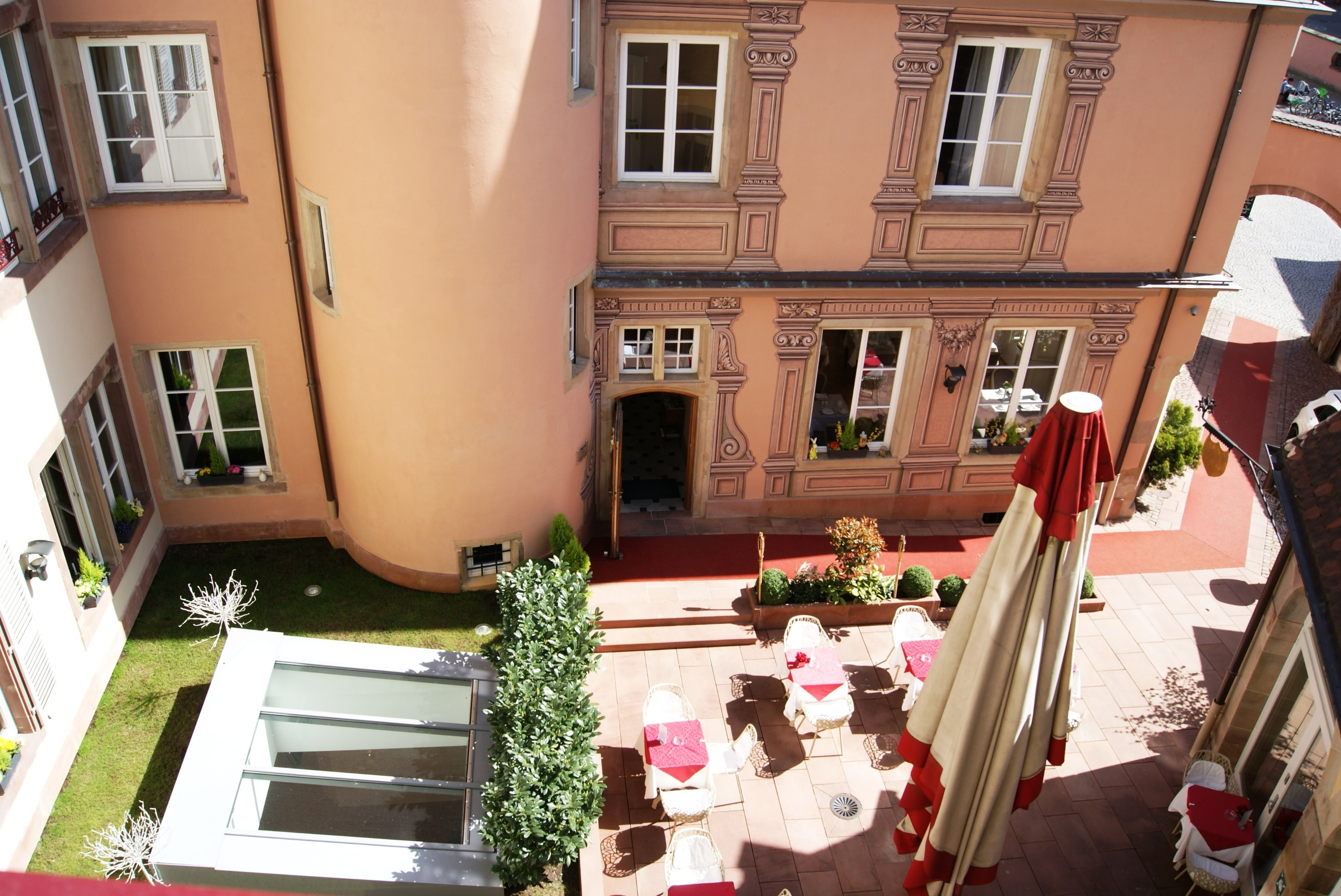 Miraculous Le Bouclier Dor Hotel Spa Strasbourg Great Prices At Download Free Architecture Designs Scobabritishbridgeorg